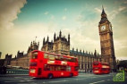 Дефицит бюджета Британии рекордно упал