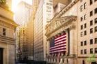 Фондовые индексы США снизились на фоне переоценки рисков, связанных с продолжением ужесточения монетарной политики со стороны Федерального резерва.
