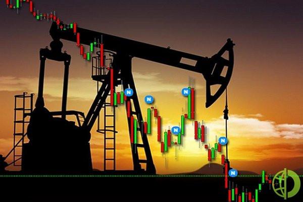 Котировки фьючерсов на нефть Brent с поставками в марте упала на 0,8% до 55,61 долл/барр