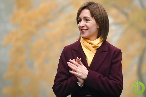 Согласно Конституции Молдовы президент получает право распустить парламент в двух случаях