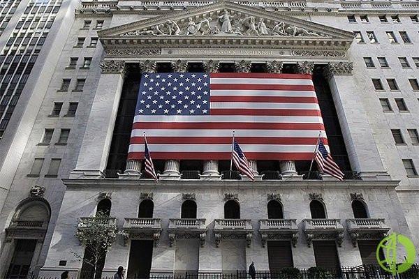 Ценные бумаги American Express упали на на 3,3% после того, как гигант финансовых услуг сообщил о более низкой, чем прогнозировалось, выручке