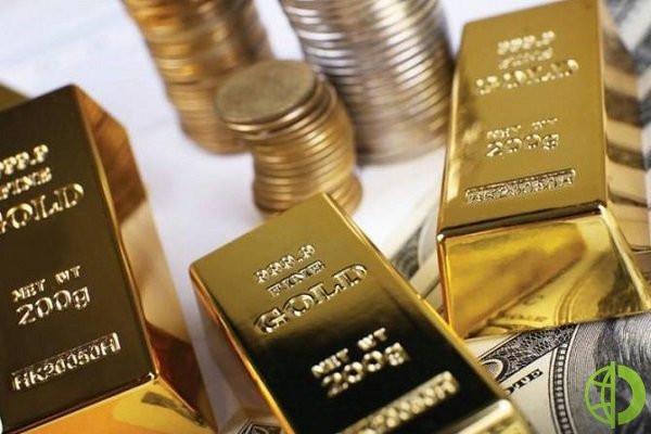Спотовая цена золота поднялась на 0,3%