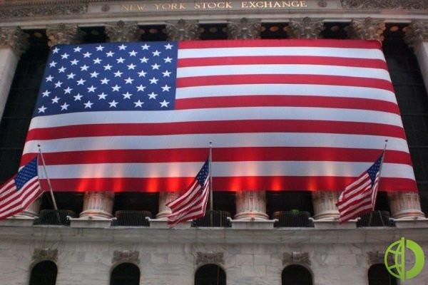 S&P 500 упал на 0,2% до 4 473,75, а Nasdaq вырос на 0,1% до 15 181,92