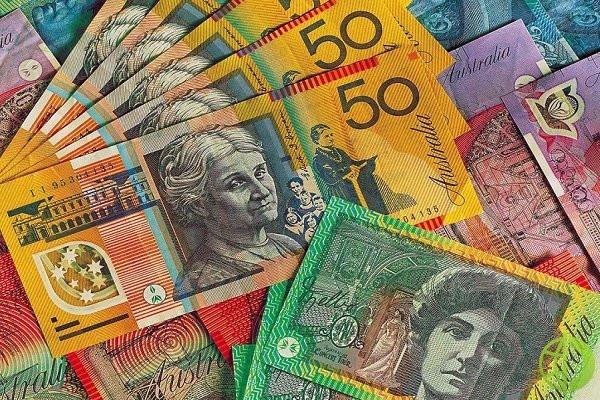 Австралийский доллар снизился до 0,7289 по отношению к доллару США