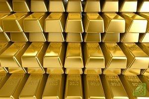 РФ снова начала скупать золото