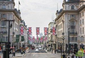 Производство автомобилей в Великобритании упало более чем на 6%