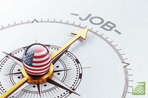 Заявки по безработице в США выросли рекордными темпами