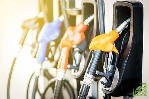 Средние потребительские цены на бензин в России за период с 4 по 9 июня 2018 года выросли на 5 копеек,