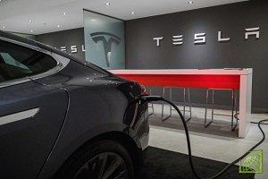 Компания Tesla предоставила услугу бесплатной подзарядки для владельцев своих электромобилей в связи с приближением урагана