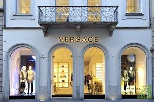 Итальянский дом моды Versace продан американской компании Michael Kors за €1,83 млрд ($2,12 млрд)