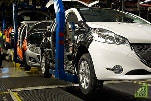 Производство автомобилей в Великобритании в августе уменьшилось по сравнению с показателем годичной давности на 12,9% - до 89,254 тыс