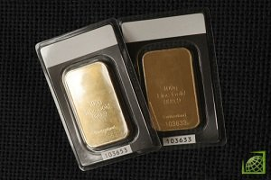 В этом году под давлением сильного доллара и растущей доходности по облигациям США цена на золото упала на 10%