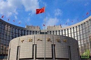 Валютные резервы Китая в сентябре сократились сильнее, чем ожидалось, и достигли 14-месячного минимума на фоне ослабления юаня по отношению к доллар.