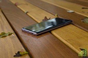 В ноябре на презентации сгибаемого смартфона Samsung показала четыре варианта безрамочных экранов: Infinity-U, Infinity-V, Infinity-O и New Infinity