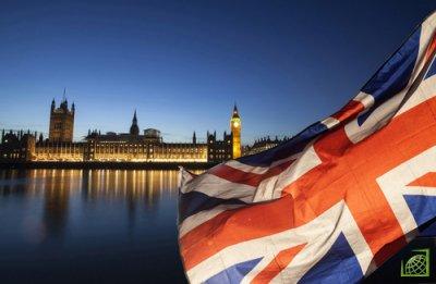 В Goldman Sachs отметили, что в последние дни значительно выросла вероятность того, что Великобритания так и не покинет ЕС — с 35 до 40%.