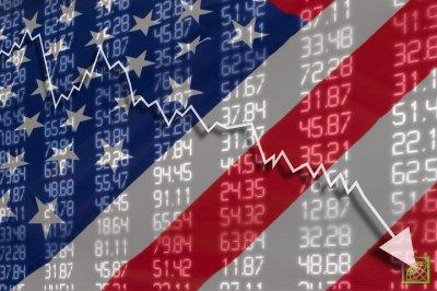 Эксперты банка отмечают, что сейчас доллар переоценен