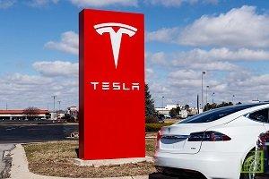 Владельцы Tesla в Калифорнии могут приобрести полис всего за минуту через сайт