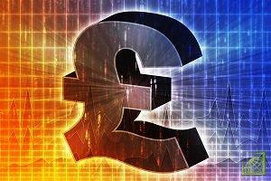 Евро снизился до более чем двухлетнего минимума