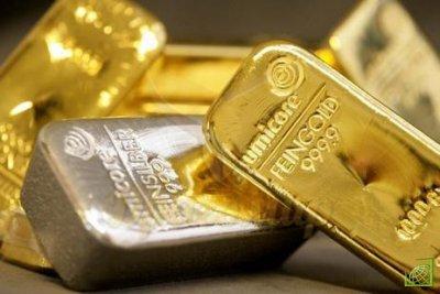 Золото продолжает расти на фоне укрепления доллара США и потому что реальные ставки продолжают снижаться