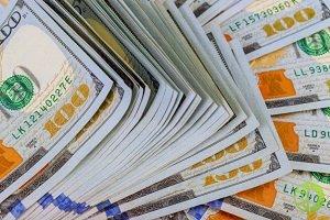 Минфин РФ снизит почти вдвое продажи валюты