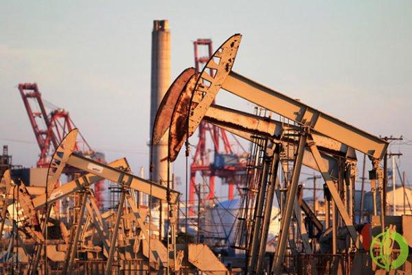 Россия снизила объемы нефтедобычи в ноябре
