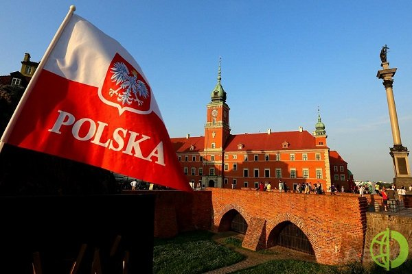 Форекс: В декабре розничные продажи в Польше снизились