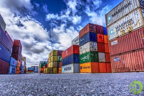 В настоящее время спотовые ставки на поставки из Китая в США равны примерно шесть тысяч долларов за контейнер