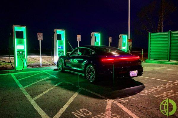 Сейчас большинство правительственных автомобилей работают на обычном топливе