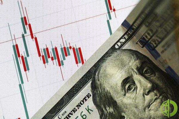 Кроме бюджетного дефицита Соединенных Штатов, выросшие цены на сырье также оказывают влияние на доллар