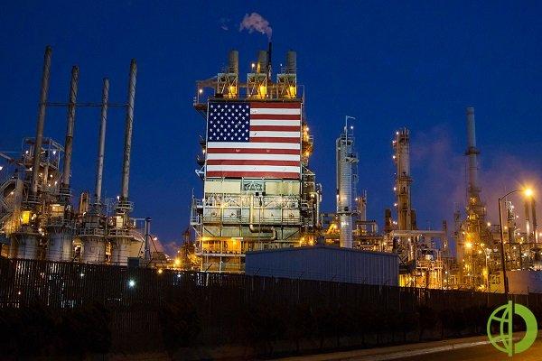 Место Венесуэлы, против которой введены американские санкции, заняла Россия, а поставки российской нефти в США побили десятилетний рекорд