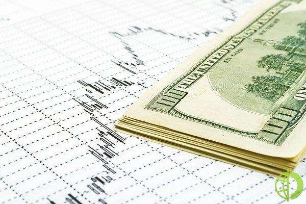 Обложить налогом в размере 15 процентов дивиденды и проценты, которые переводятся за рубеж, предложил год назад президент страны Владимир Путин