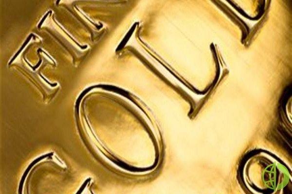 Спотовая стоимость золота снизилась на 0,5%