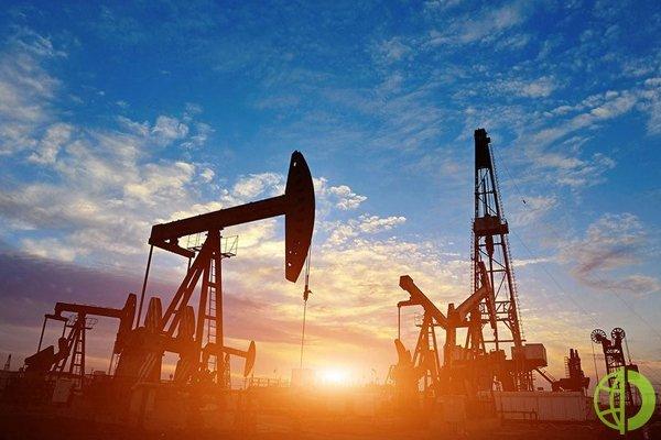 Фьючерсы на нефть марки Brent с поставкой в июле выросли примерно на 1%