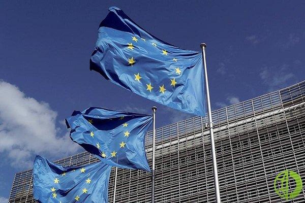 Также лидеры ЕС призвали европейских авиаперевозчиков избегать полетов над Белоруссией