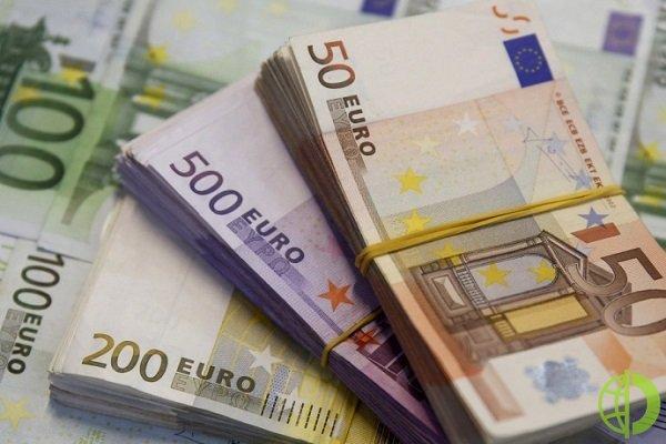 Еврокомиссия намерена установить лимит на оплату наличными деньгами
