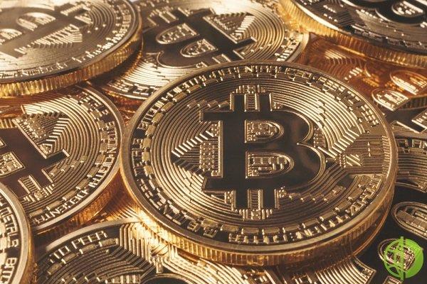 Биткоин взлетел на 11,3% до 38370 долларов за монету