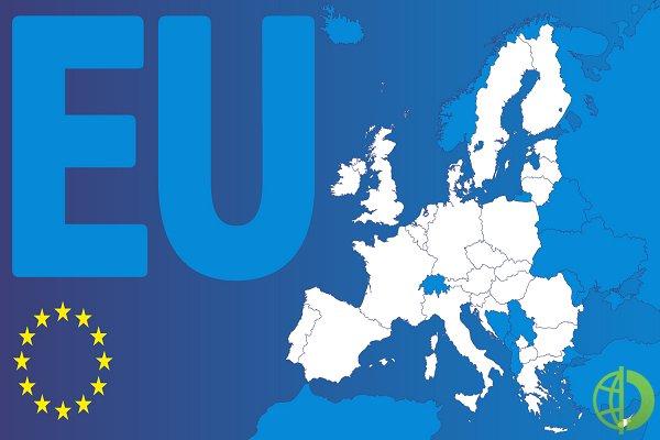 Напряжение между властями Евросоюза и Венгрией продолжает расти