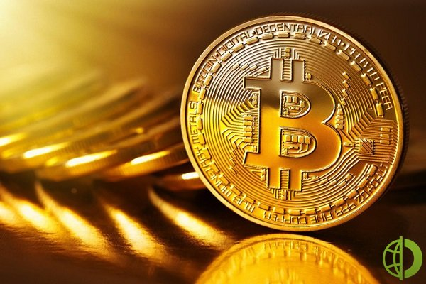На момент написания материала биткоин снизился на 7,17% и торгуется по 42 399 долларов