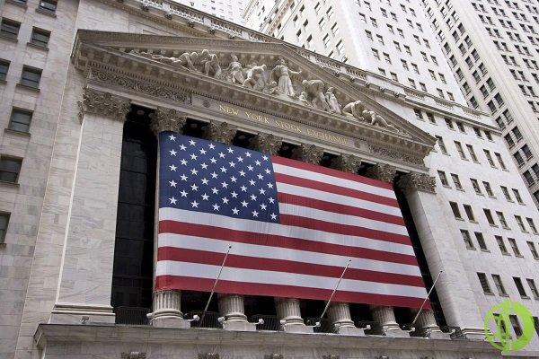 Ценные бумаги Costco Wholesale поднялись на 3,3% после того, как крупный розничный торговец сообщил о результатах за четвертый квартал, опередив прогнозы аналитиков